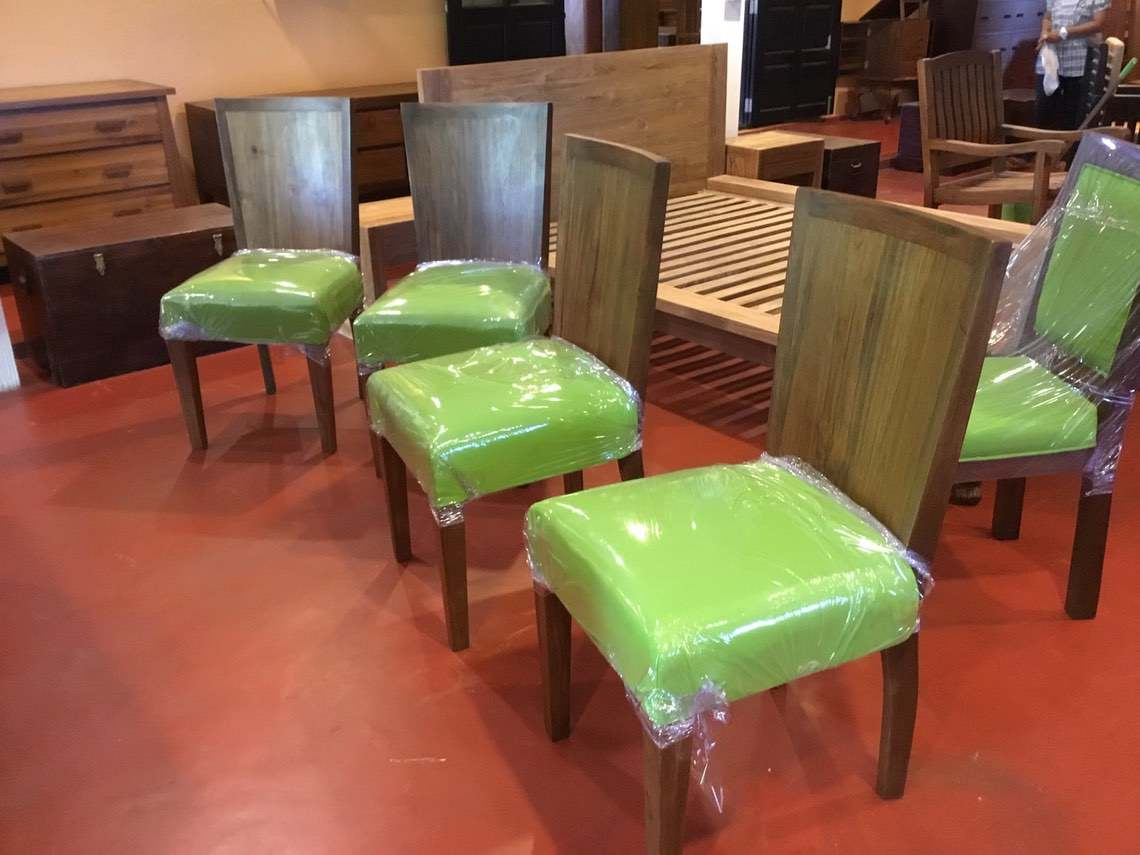 Chairs 003-01